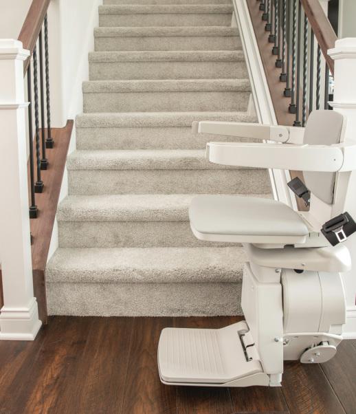 Otolift Jade parallèle monte escalier escalier droit